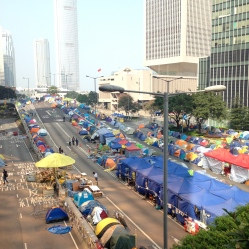 Tent rows 02